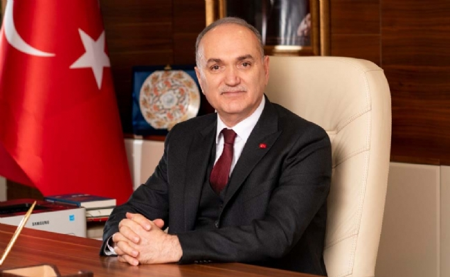 Başkan Dr. Faruk Özlü Regaib Kandilini Kutladı