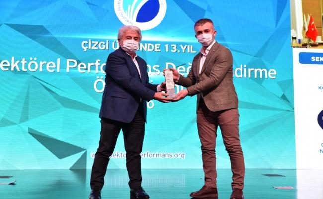Cansu Su'ya Sektörel Performans Ödülü