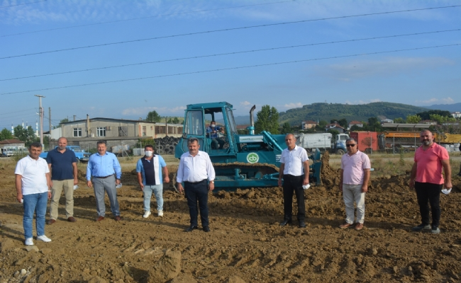 Cumayeri Belediyesi Yeni İş Makinasını Envanterine Ekledi.
