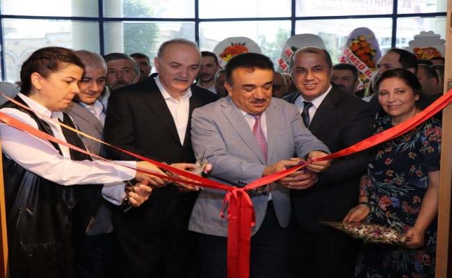 """""""Deri Mamulleri Sergisi Açıldı"""""""