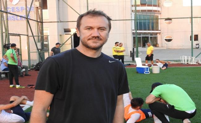 Düzcespor'da Teknik Direktör Sarıgül'ün Yardımcılığına İlhan Çelikay Getirildi