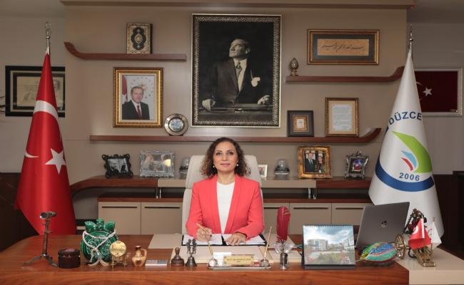 """Gazi Mustafa Kemal Atatürk Olmak Üzere, Tüm Öğretmenlerimizin """"Öğretmenler Günü'nü Kutluyor, Bu Kutsal Meslek Uğruna Şehit Düşen Eğitim Neferlerimizi Rahmetle Anıyoruz."""